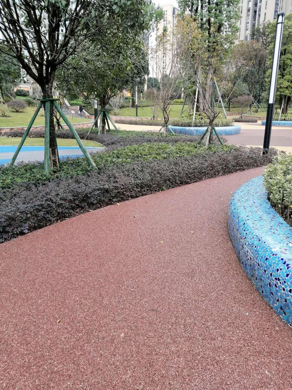 九龙花园胶粘石